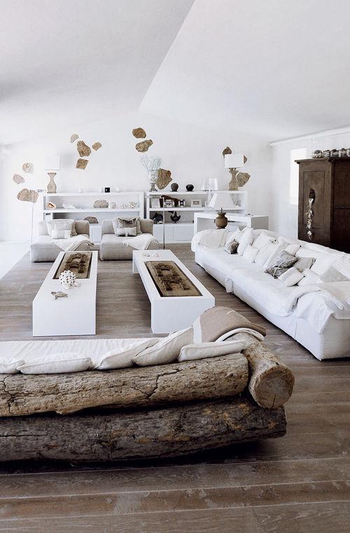 Muebles hechos de troncos de madera