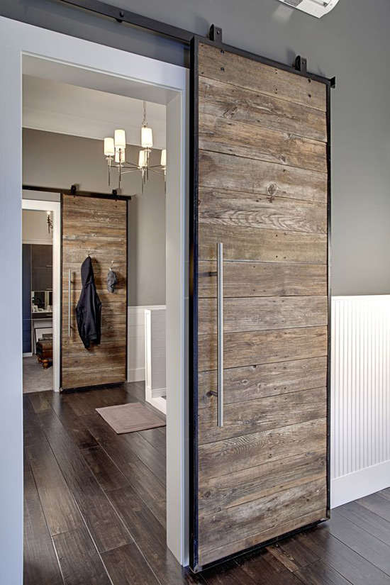 Madera de palets en una puerta