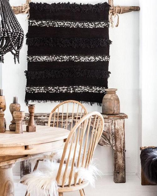 Manta Handira a modo de tapiz
