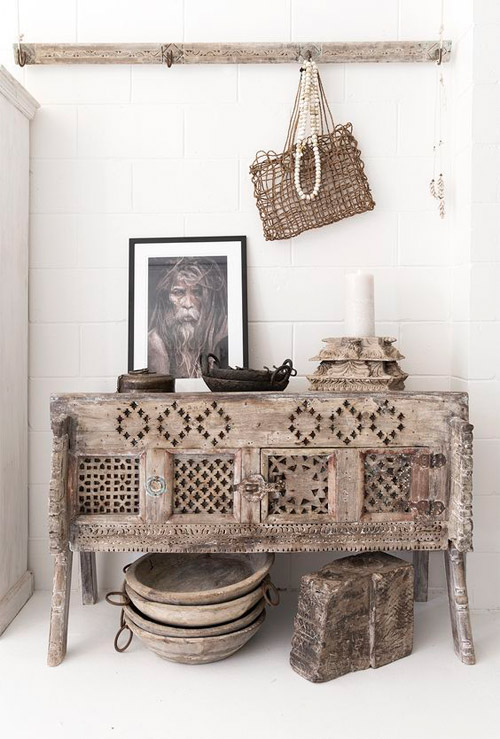 Mesa tallada a mano de madera de estilo indio