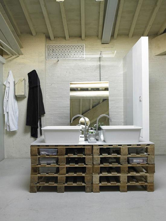 Mueble de palets en el baño