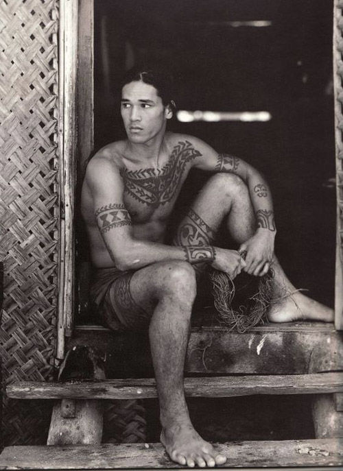 Tatuajes tribales de la Isla de Tahiti