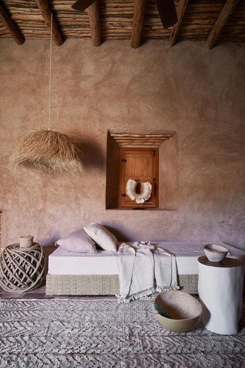 lámpara hecha de hojas de palmera