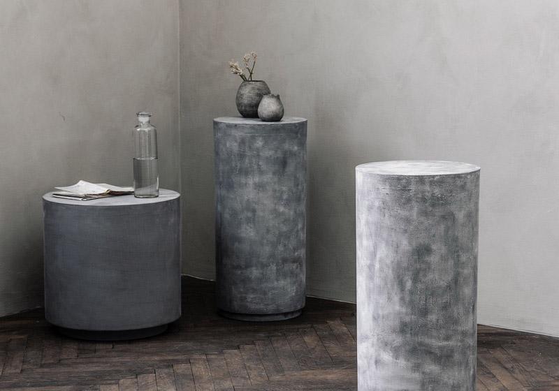 hormigón en bruto y cerámica