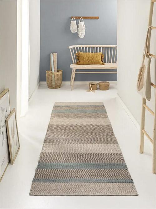 decoración de pasillos con alfombras