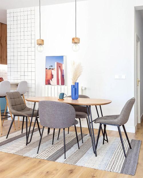 alfombras de rayas para decorar el comedor de casa