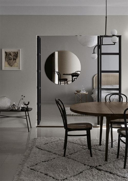 Decoración con alfombras en las habitaciones de tonos neutros