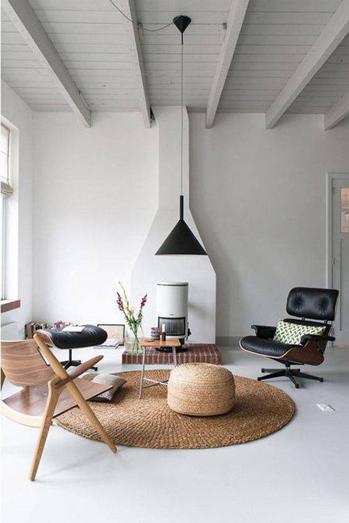 alfombra de yute redonda en en salón