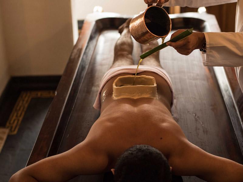 Tratamiento de ayurdeva en kerala