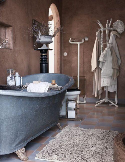 Bañera vintage con patas para el baño