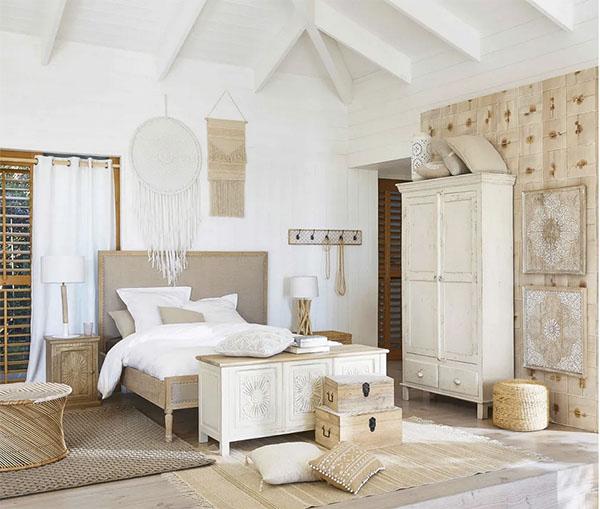 baúl de estilo colonial para la decoración del dormitorio