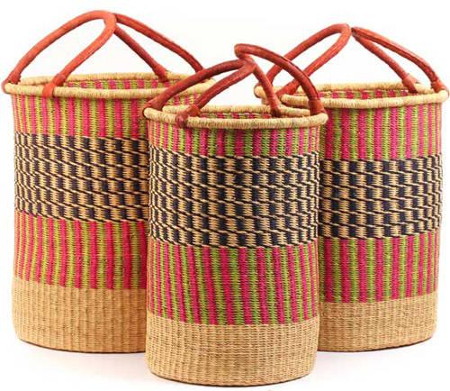canastos de colores como cesto de la ropa sucia
