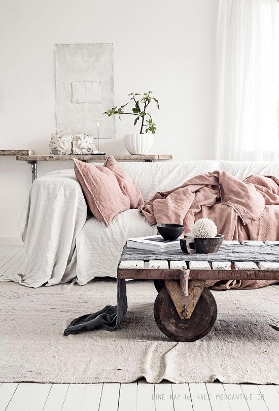 Cálidos textiles como el lino y la lana en la decoración nórdica