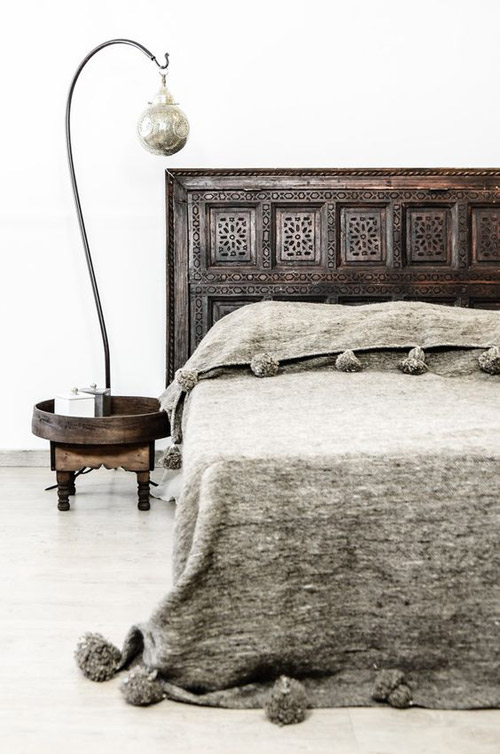 Cabecero de cama de madera tallado a mano