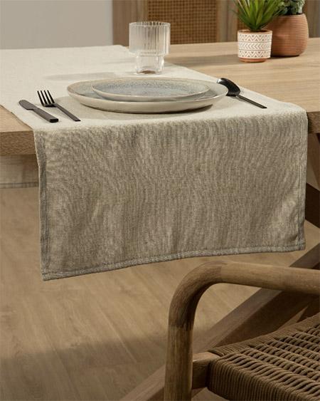 camino de mesa de lino de color beige