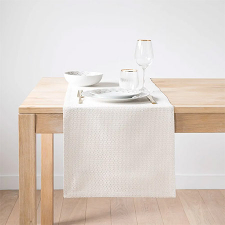 cómo decorar la mesa del comedor
