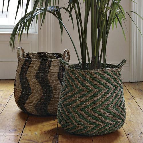 cestos africanos a modo de maceteros
