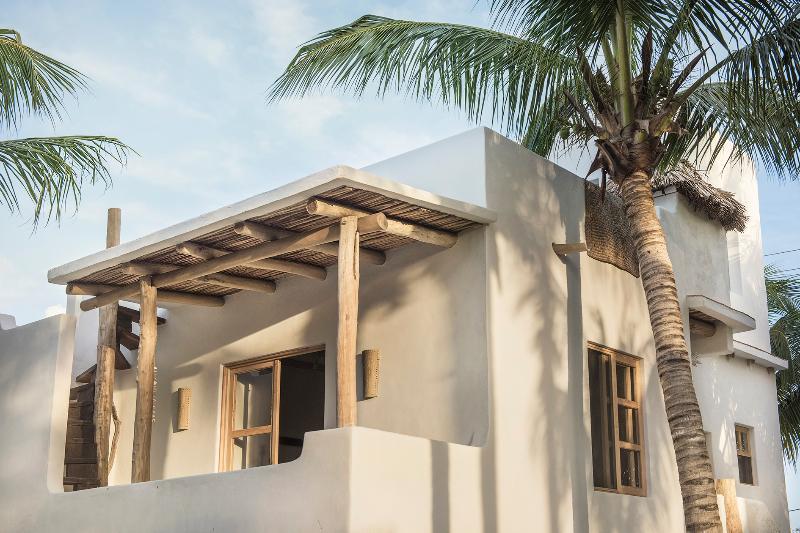 Casas de adobe de estilo mediterraneo