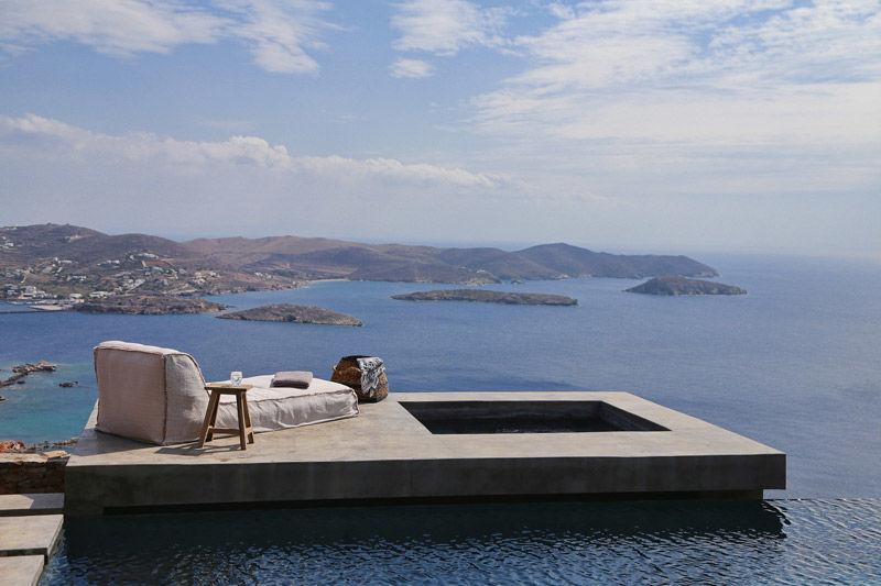Piscina en el mar egeo