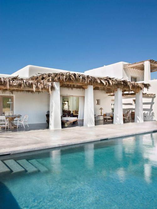 El porche de una tipica casa de Ibiza