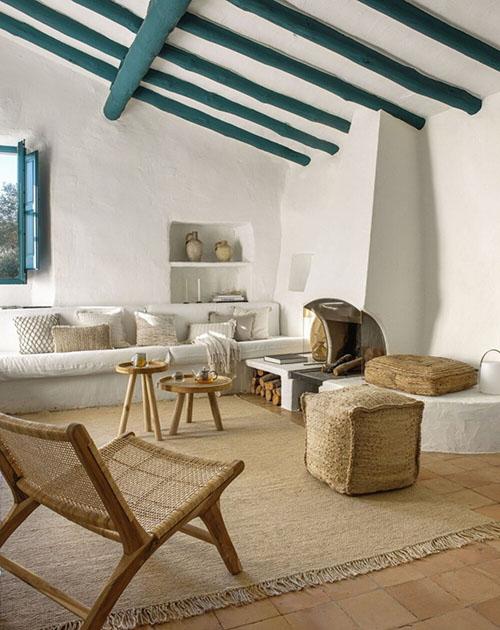decoracíon mediterránea de una casa de campo