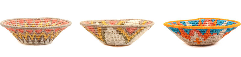 pequeñas cestas de colores de africa para decorar el hogar