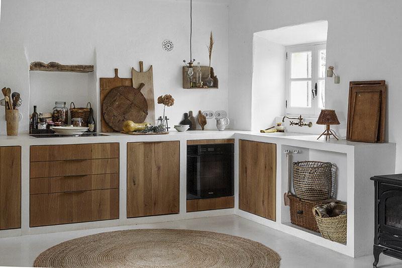 Cocina rústica en una casa de campo