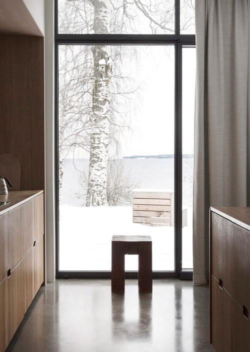 Limpieza y espacios abiertos en los interiores de inspiración minimalista