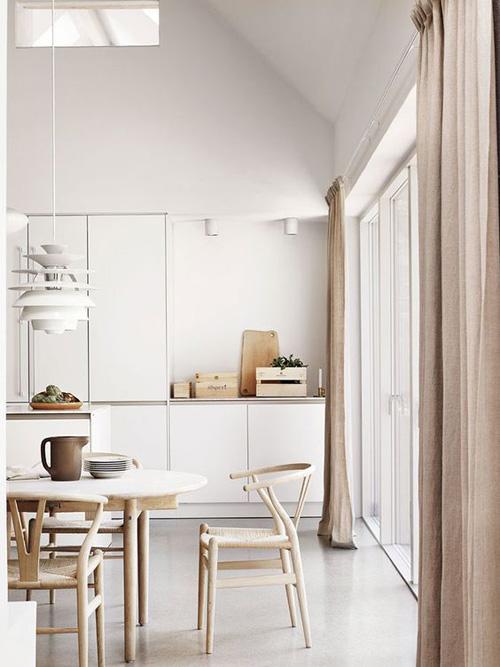 Orden, calma y serenidad en una cocina de estilo minimalista