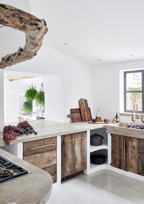 Cocina de diseño minimalista en una casa de campo