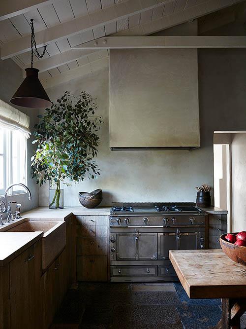 Cocina antigua en una casa de campo