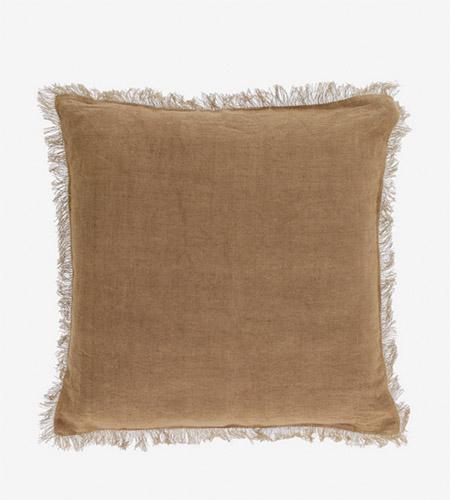 cojin de lino de color tierra