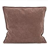 funda de cojín de color marrón para un sofa beige