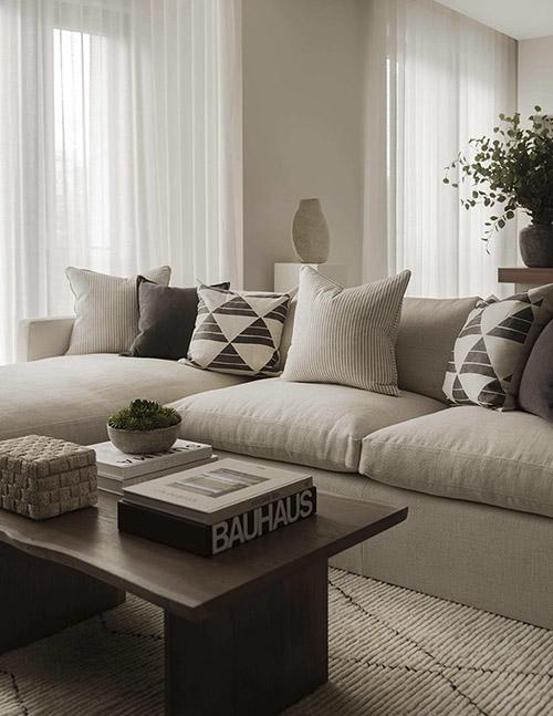 que cojines combinar con un sofá beige