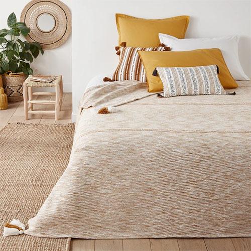 colcha de cama de algodón con borlas