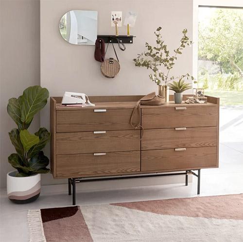 aparador de madera de diseño escandinavo