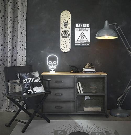 mueble industrial de madera y metal