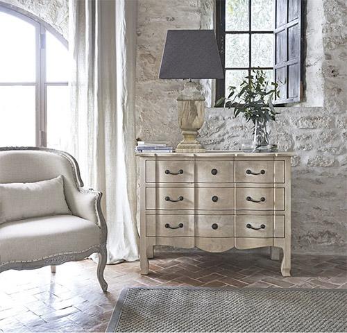 mueble con cajones de madera rústica