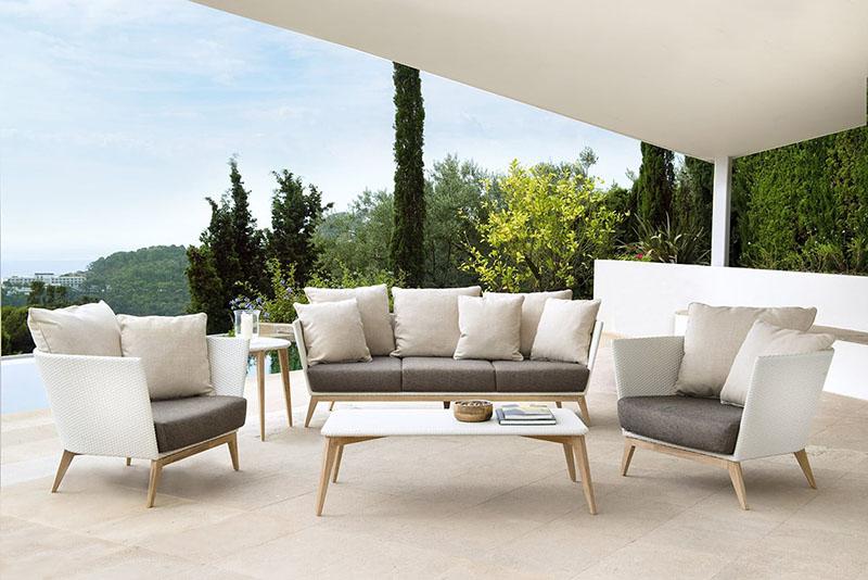 set de muebles para el jardin de casa