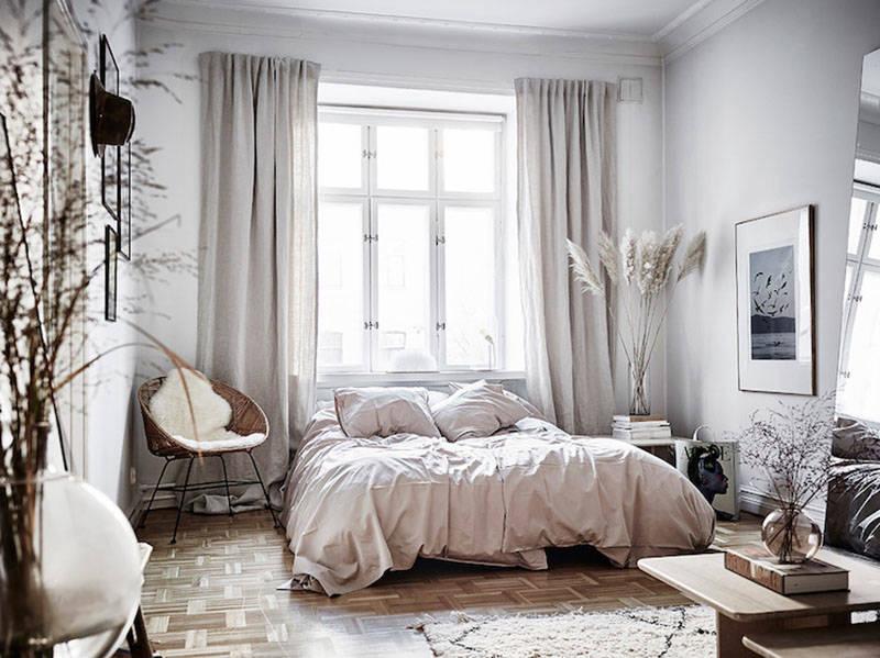 Cortinas de lino en el dormitorio