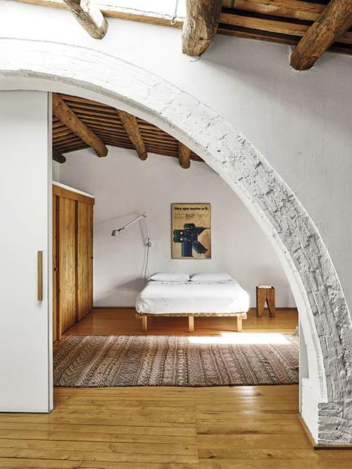 Decoración de un dormitorio rústico