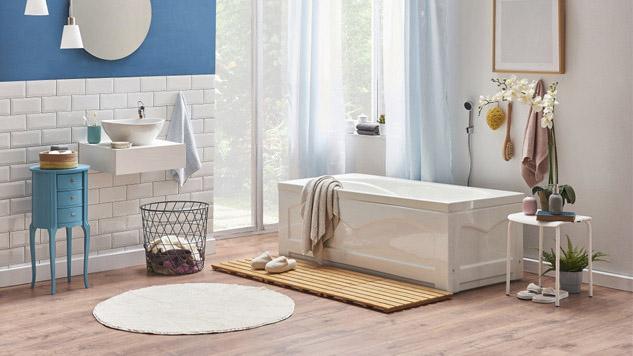rejilla de madera en el lavabo