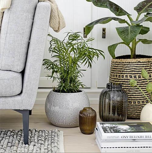 cómo decorar con cestas de mimbre