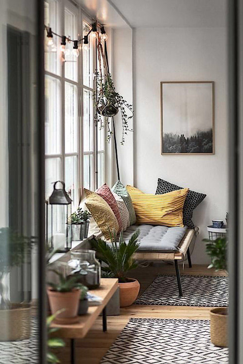 Decorar los interiores con plantas y flores