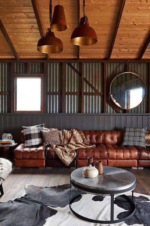 Arquitectura desnuda y elementos estructurales a la vista en los interiores de estilo industrial