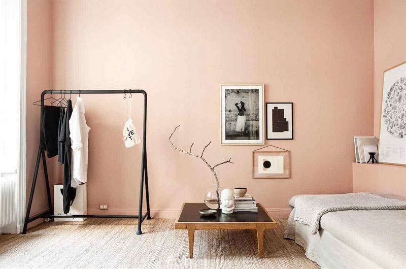 Tonos de rosa y salmón en la decoración de dormitorios