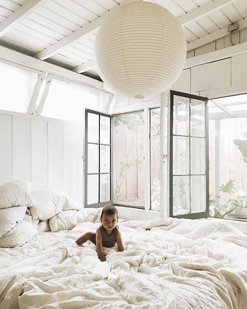 Dormitorio de una casa de campo de madera