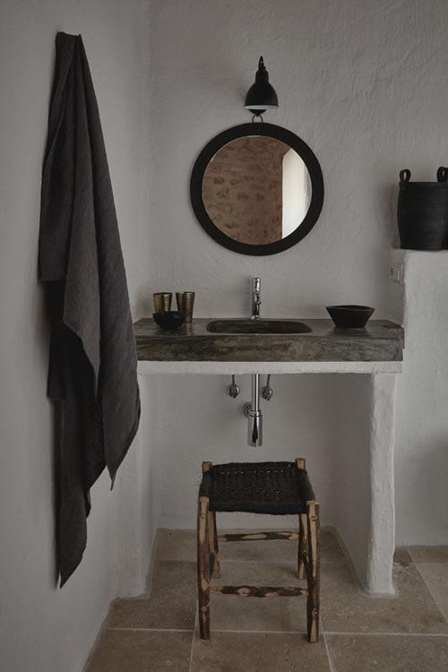 Baño en una casa de campo en Ibiza