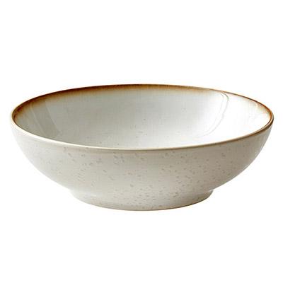 cuenco de ensaladas blanco de cerámica