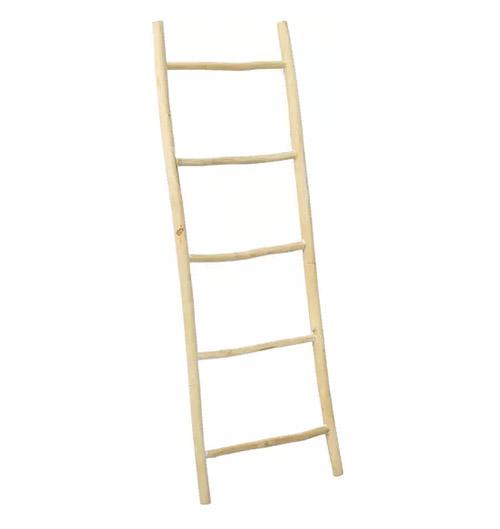escalera de madera para decorar interiores